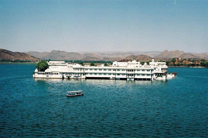 Pichola Lake Udaipur – Beauty of India