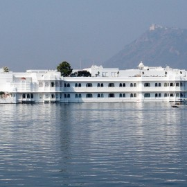 Best Tourist Attraction in Udaipur – lake Pichola